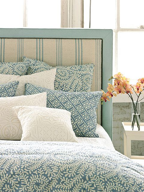 lovely-blue-bedding